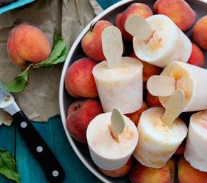 bourbon-peaches-and-cream-popsicles_bakers-royale