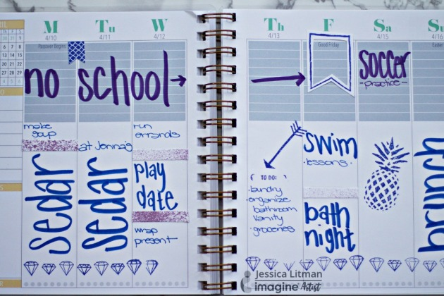 Happy Monday! As you plan your week, Check out Jessica Litman's quick tips on a week-long planner layout. blue ink Tsukineko Memento Dew Drops.