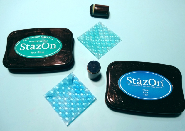 Color the Vertigo squares with the StazOn inkpads in Azure and Teal Blue