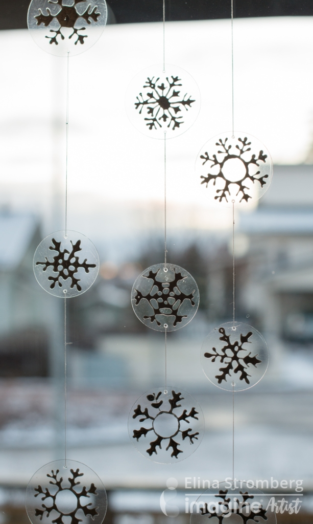 Create Cute and Simple Window Decor for Christmas