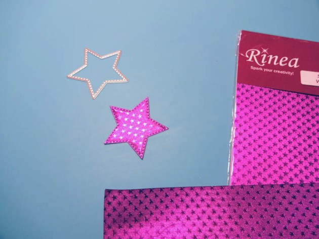Die cut 2 Rinea foil paper stars
